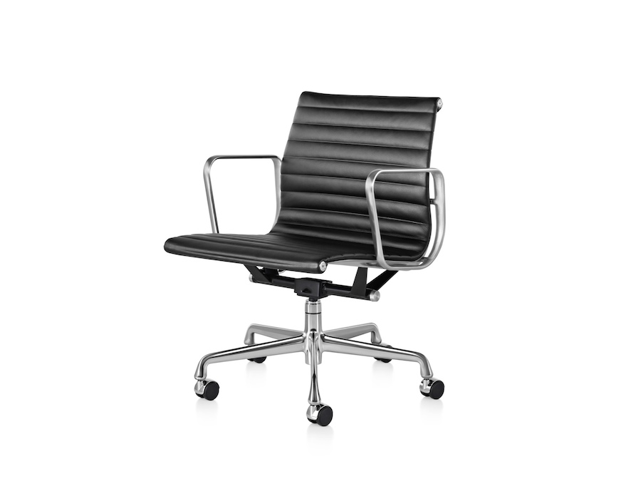 A photo - Eames Aluminum Group Chair–Management–With Arms