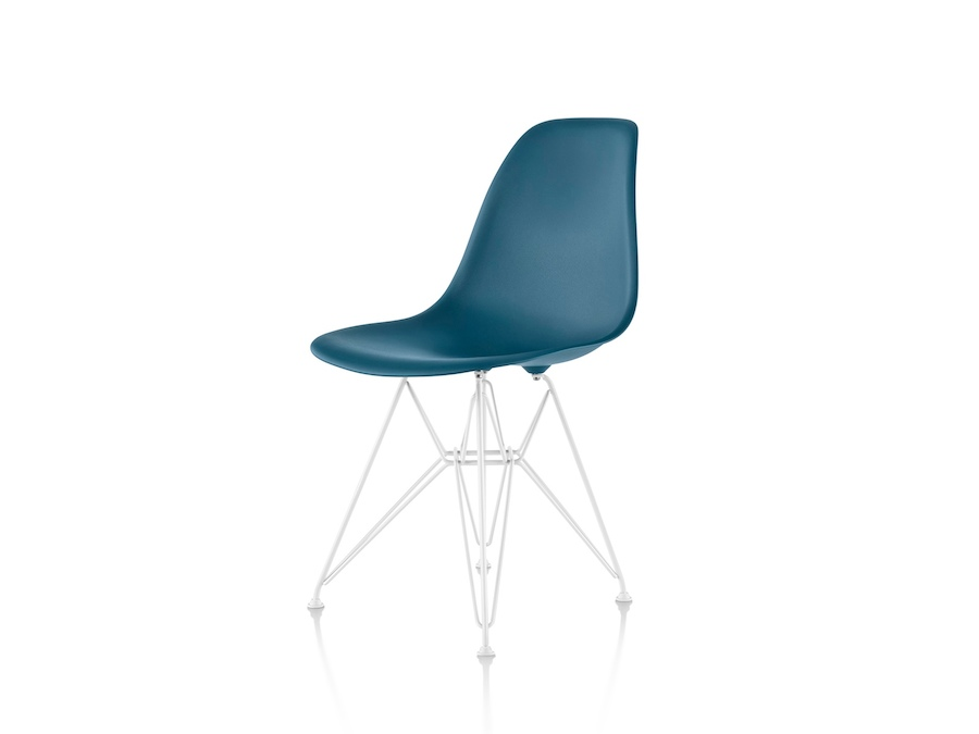 A photo - Eames Moulded Plastic Side Chair–Wire Base–Nonupholstered
