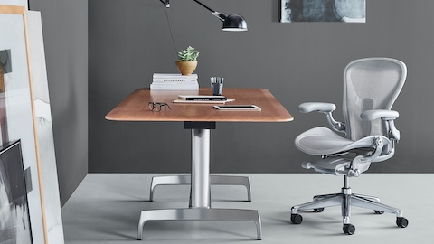Aeron Chair with AGL Table