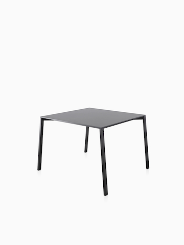 th_prd_magis_table_one_outdoor_outdoor_tables_hv.jpg