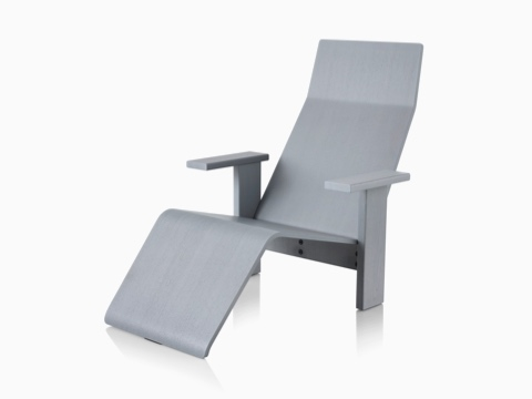 Gray anilin ash Mattiazzi Quindici Chaise Longue, viewed from the front.