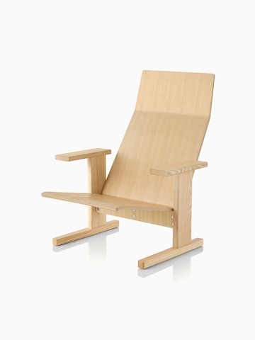 Natural anilin ash Mattiazzi Quindici Lounge Chair, viewed at an angle.