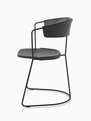 Side view of a black Mattiazzi Uncino Chair, Version C.