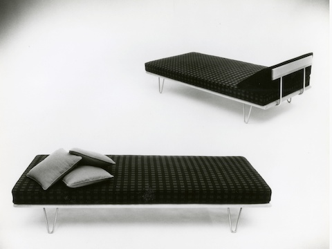 A vintage black-and-white photo of two Nelson Daybeds, one in the bed position and one in the lounge position.