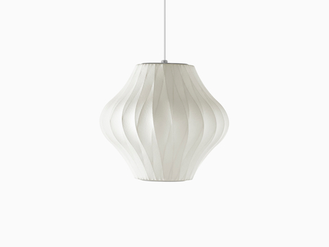 Een kleine Nelson Pear CrissCross Bubble Pendant lamp.