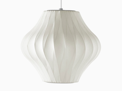 Een Nelson Pear CrissCross Bubble Pendant lamp.