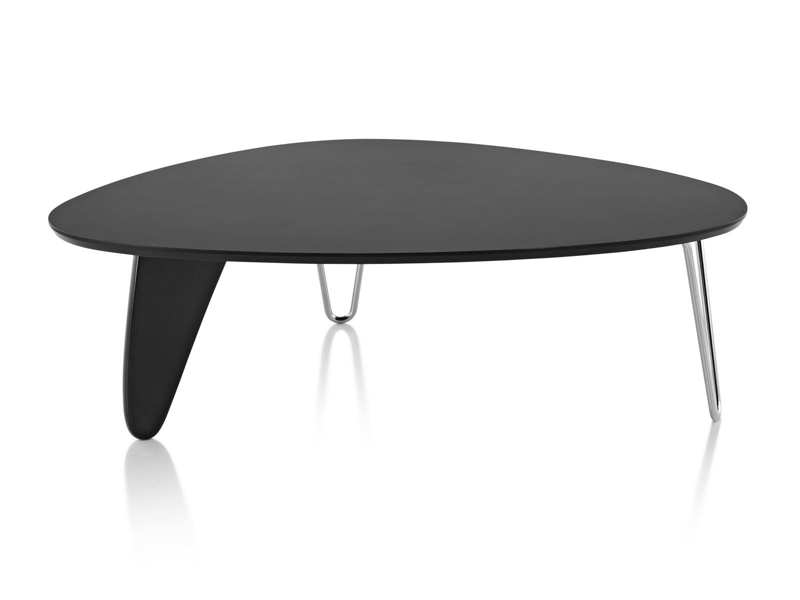 A Noguchi Rudder Table with a black finish.