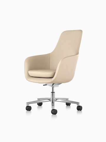 High-back Saiba executive chair in tan leather with a polished five-star base and casters, viewed from a 45-degree angle.