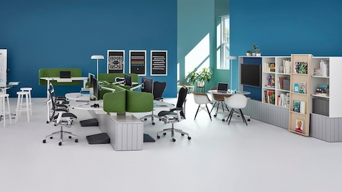 A collaborative work environment. Select to go to Herman Miller's white paper on the link between improvisation and innovation.