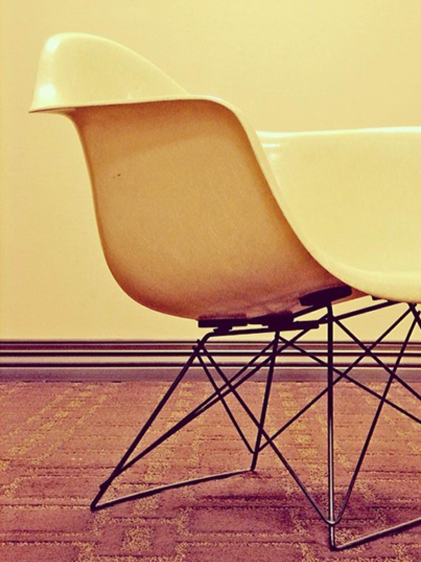 Today's #shellspotting story comes from Tim Smith (@thsnyc), who submitted a photo of his impeccably preserved, vintage #Eames LAR, accompanied by the remarkable story of its provenance. As he tells us: