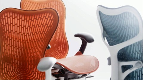 Video about the design and ergonomics of Mirra 2 office chairs.